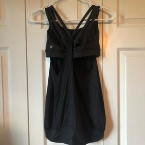 Size 4 Lululemon tank top with built in sports bra